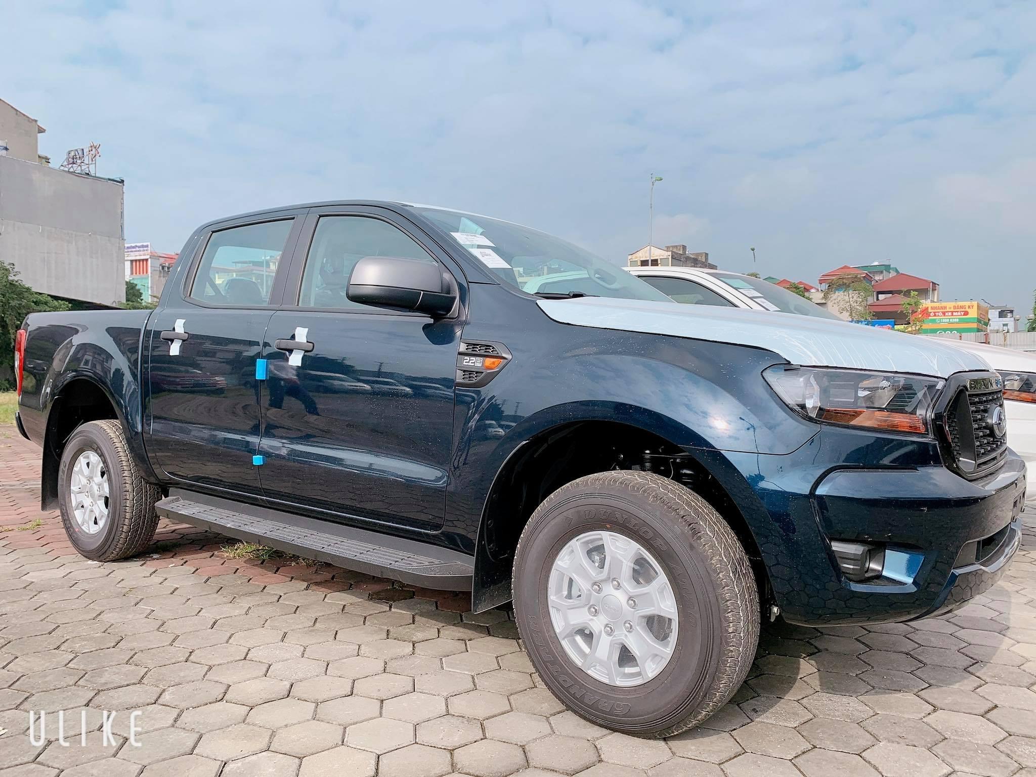 Ford Ranger XLS số sàn một cầu 2021